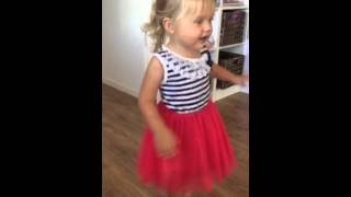 Baixar Cutest 2 year old dance