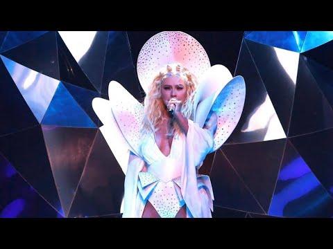 Christina Aguilera Vegas! Reflections! Wow