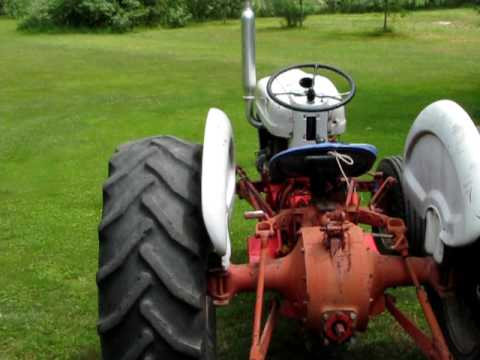 Ford 801 Tractor - YouTube