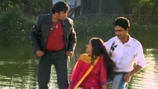 Agha Pari Tu Fakta Maja Swapnat Yeh - Aaila Re - Marathi Song