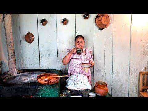Huevos con Chile Rojo y Cafe de Olla De mi Rancho a Tu Cocina