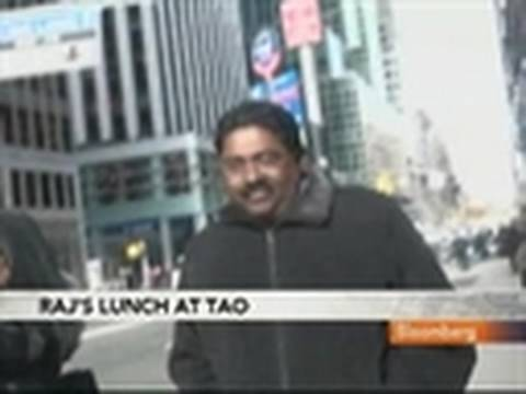Raj Rajaratnam Leaves N.Y. Restaurant Following Lunch: Video