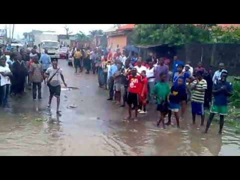 Arowojobe Estate Flood, Maryland, Lagos, Nigeria.mp4