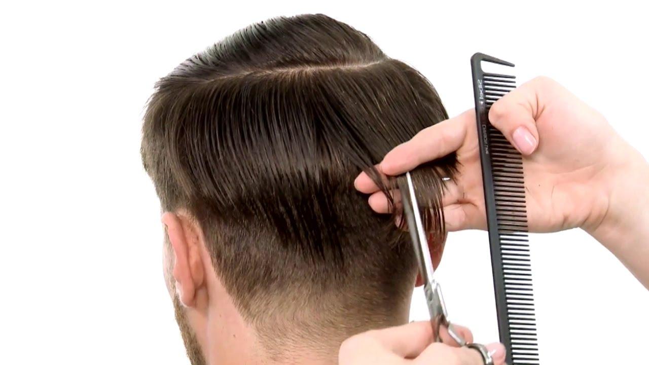 Все игроки этой команды поразили болельщиков неотразимой элегантностью своих причёсок.