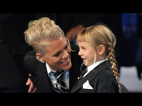 Pink Gives POWERFUL Speech About Her Daughter & Self-Acceptance At 2017 MTV VMAs