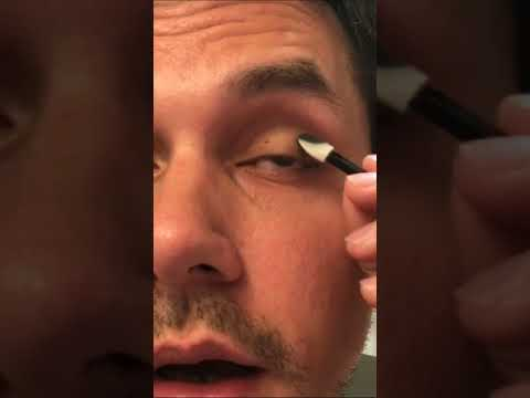 John Mayer on Instagram Stories- Smoke eye make up tutorial-April 23,2018