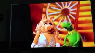 Kermit and Miss Piggy (Muskrat Love)