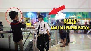 Download Video EXTREME SELFIE PRANK - PRANK INDONESIA -CUPSTUWERD MP3 3GP MP4