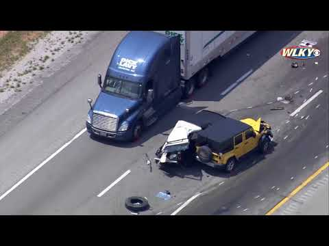 VIDEO: 8 vehicle crash snarls traffic on I-65 South - YouTube