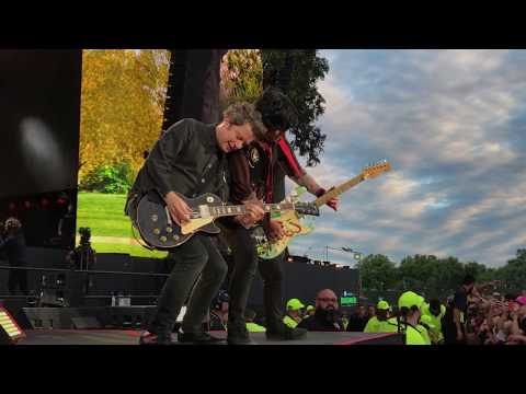 Green Day - 2,000 Light Years Away (Live @ Hyde Park, London!)