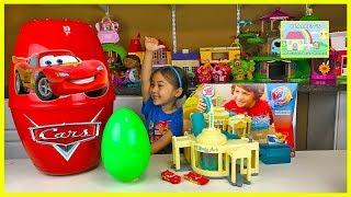 Big Disney Cars Egg Surprise w/ Lightning McQueen Toys Color Changers!
