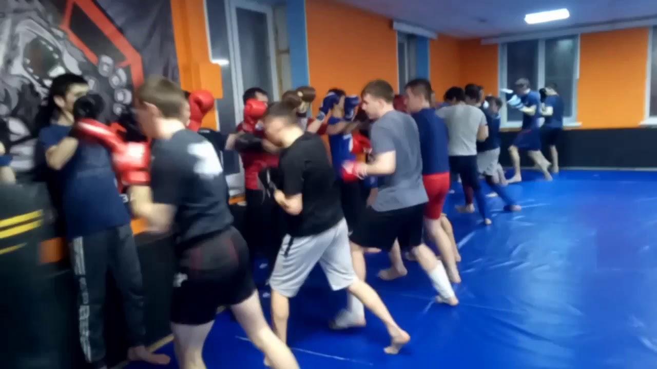 Ударная тренировка ММА. Взрывы руками и удары ногами ...
