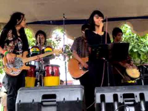 Sarada Kaulinan (SAKA) - Live performance.MPG