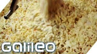 Was steckt drin im Fertig-Nudelsalat? | Galileo | ProSieben