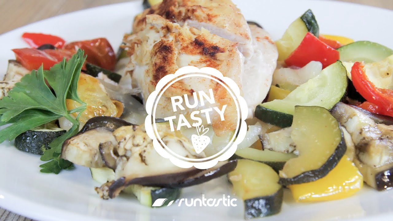 Perfect Low-Carb Meal: Hummus-Crusted Chicken with Vegetables (Runtasty)