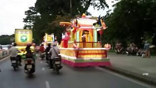 Xe hoa- Lễ Phật Đản- Huế (2)