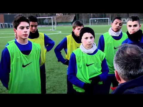 La bagarre Everton-OL fait jaser en Angleterre | Revue de pressede YouTube · Durée:  2 minutes 34 secondes