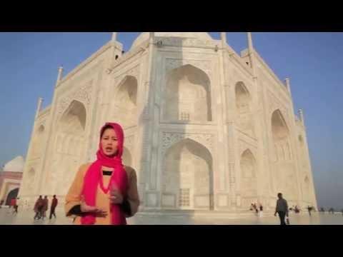 Taj Mahal - Tourist View