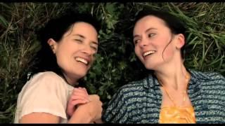 J'ai mouillé en regardant cette vidéo lesbienne