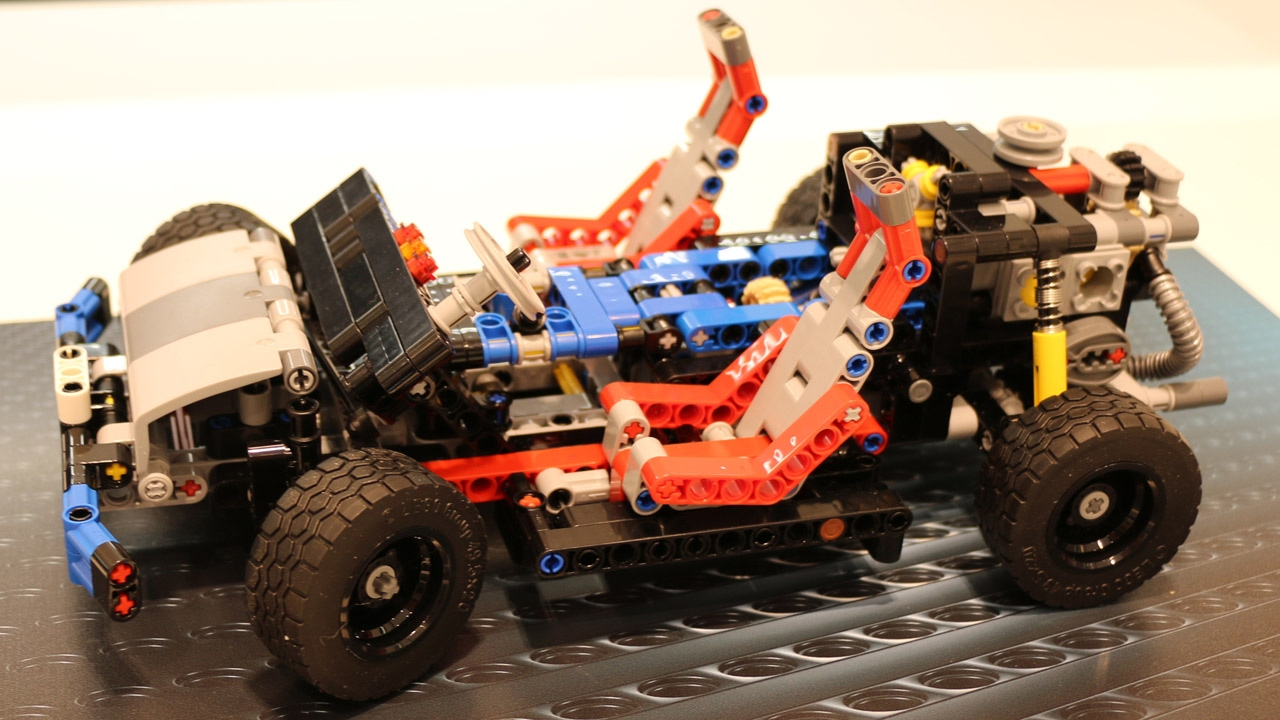 lego technic 40 jahre chassis jubil ums berraschung. Black Bedroom Furniture Sets. Home Design Ideas