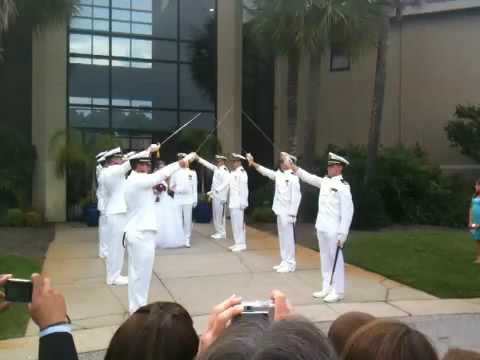Navy sword arch - YouTube