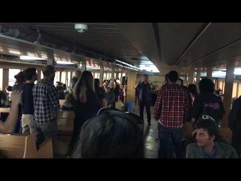 Jazzberry Tunes - Viva La Vida (İstanbul Kadıköy-Beşiktaş Vapuru Flashmob)