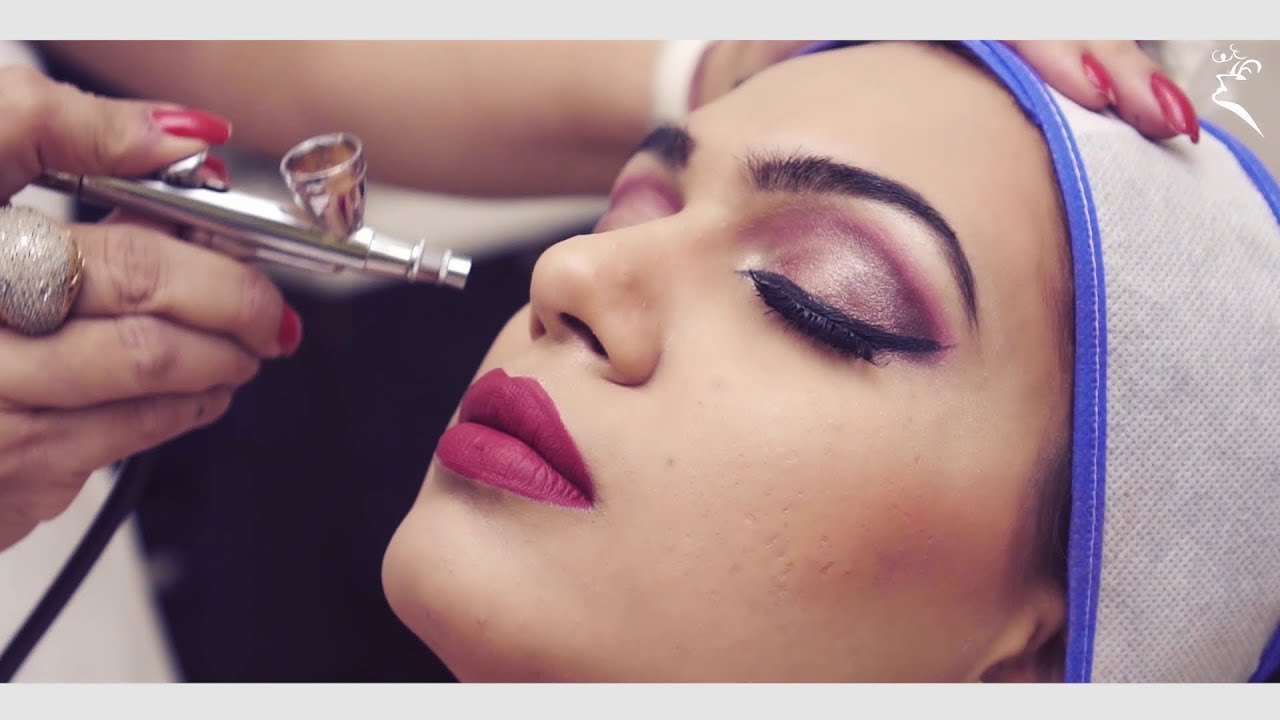 Professional Makeup Artist Course in Delhi by Marvelous Academy - YouTube