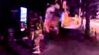 深夜にイタ飯を食べた後に踊る!と突然踊り出しました。 前半の踊りの方...