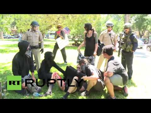 USA: Violent clashes at Sacramento far-right rally see 5 people stabbed
