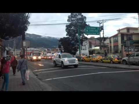 Ayuda a Manta desde Quito, Ecuador unido (video express)
