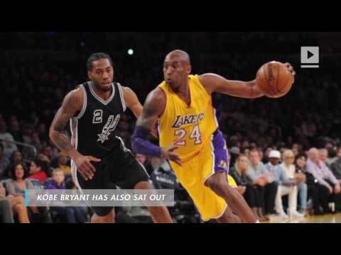 Kobe Bryant of Los Angeles Lakers on injured shoulder -- 'I couldn't really move the thing'