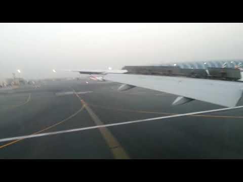 Amazing landing at Dubai Airport (DXB)- Emirates B777-300