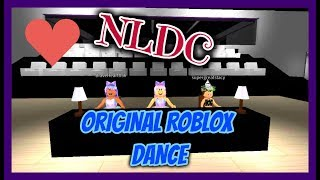 OUR OWN DANCE IN ROBLOX!! || Northern Lights Dance Academy || Roblox Dance - Tourner Dans Le Vide