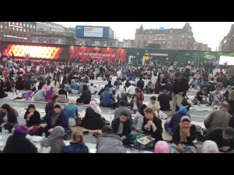 Group iftar party Ramadan 2017 at city hall square in Copenhagen