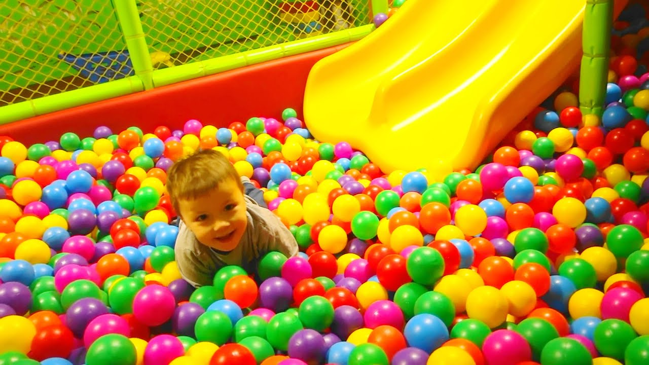 Playground Family Fun for Kids - Indoor Play Area playground with ...
