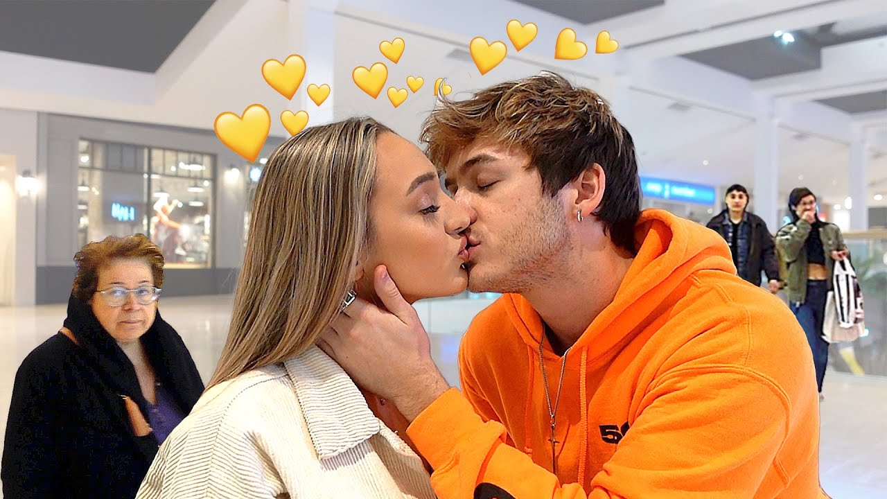 I CAN'T STOP KISSING YOU PRANK ON GIRLFRIEND! *IN PUBLIC*
