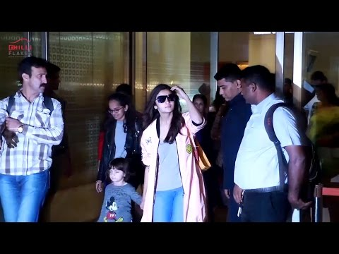 Cute Little Abram Spotted With  Alia Bhat and Shah Rukh Khan At Mumbai Airport