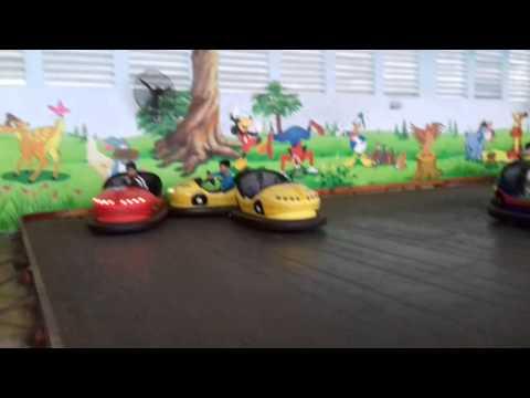 Trò chơi xe điện tại khu du lịch Đầm Long Xanh