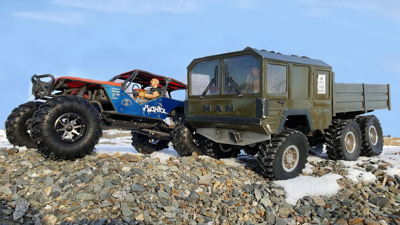 rc trucks off road man kat 6x6 vs axial wrait 4x4 youtube. Black Bedroom Furniture Sets. Home Design Ideas