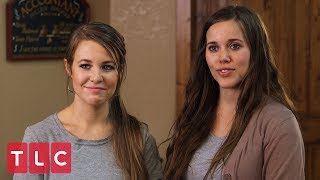 The Duggars Build a Wedding Dress Pop Up Shop | Counting On