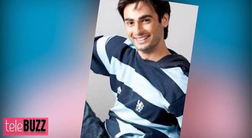 varun kapoor romances sanaya irani in modern bahu youtube