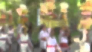 Mapeed Procession, Lodtunduh, Bali