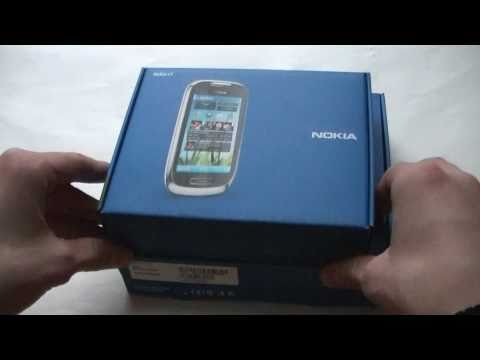 English: Nokia C6-01 unboxing