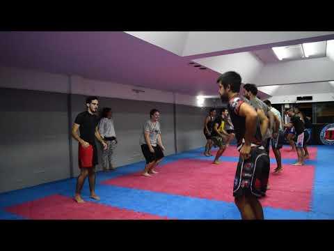Kickboxing con Andrea Salazar, Preparación física y entrada en calor