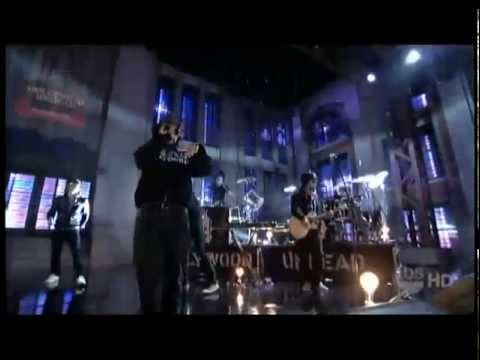Hollywood Undead - Hear Me Now (Live)