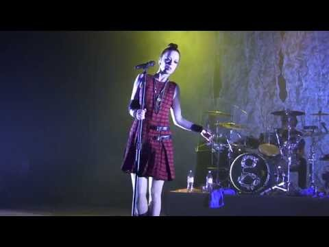 Garbage - The World is not Enough (Live in Kiev) 12.11.2012