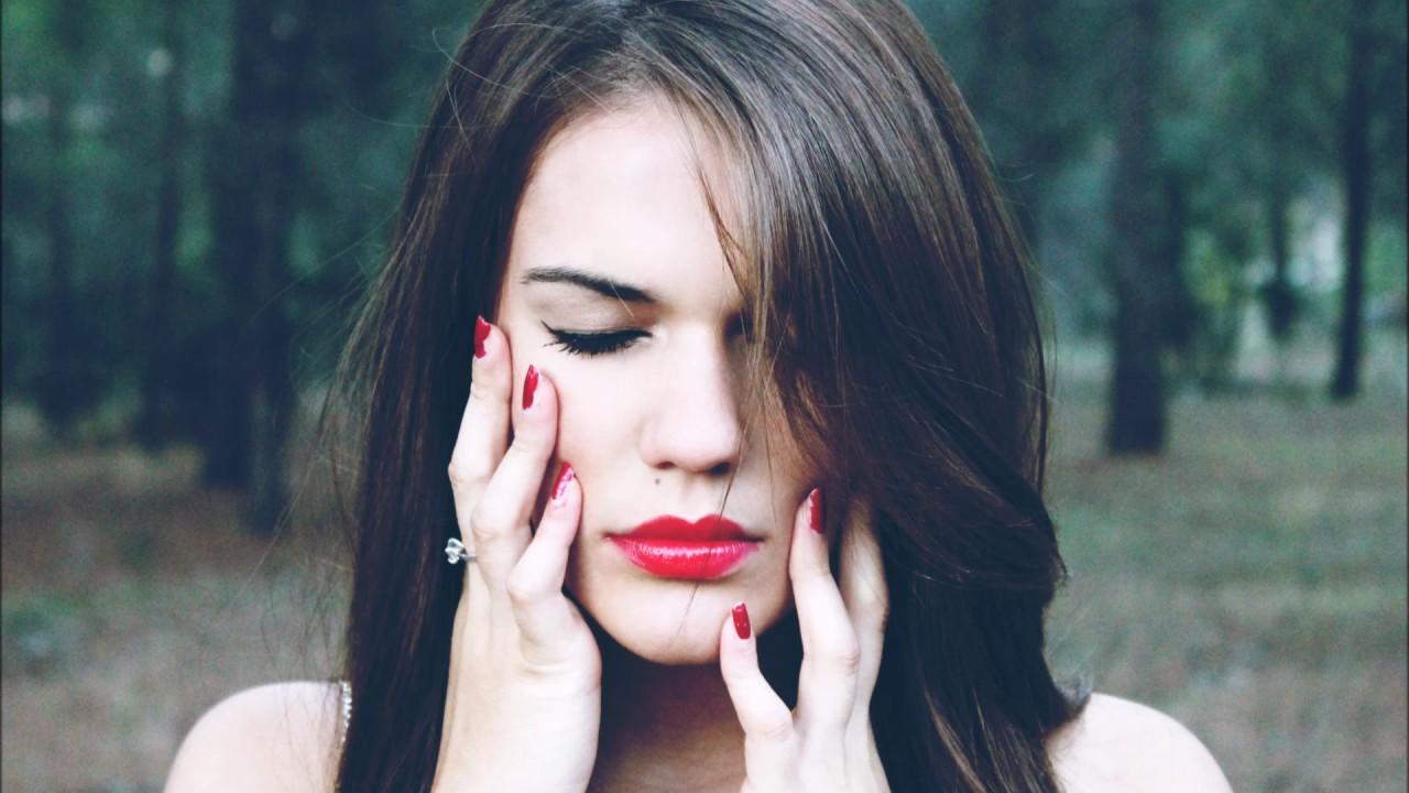 skeler. + Holly Drummond - Falling Apart