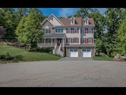 Real Estate Video Tour | 5 Hilltop Lane, Oakland, NJ 07436 |