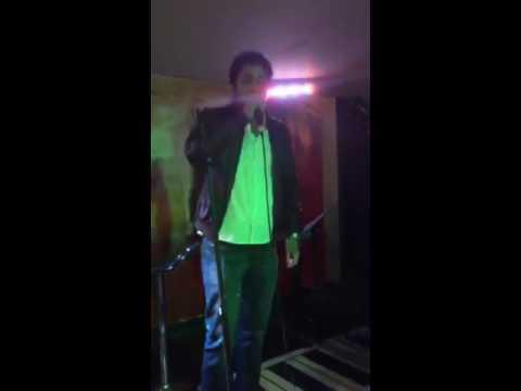 Noche de copas y karaoke en Haus Karaoke Bar (Bogotá)