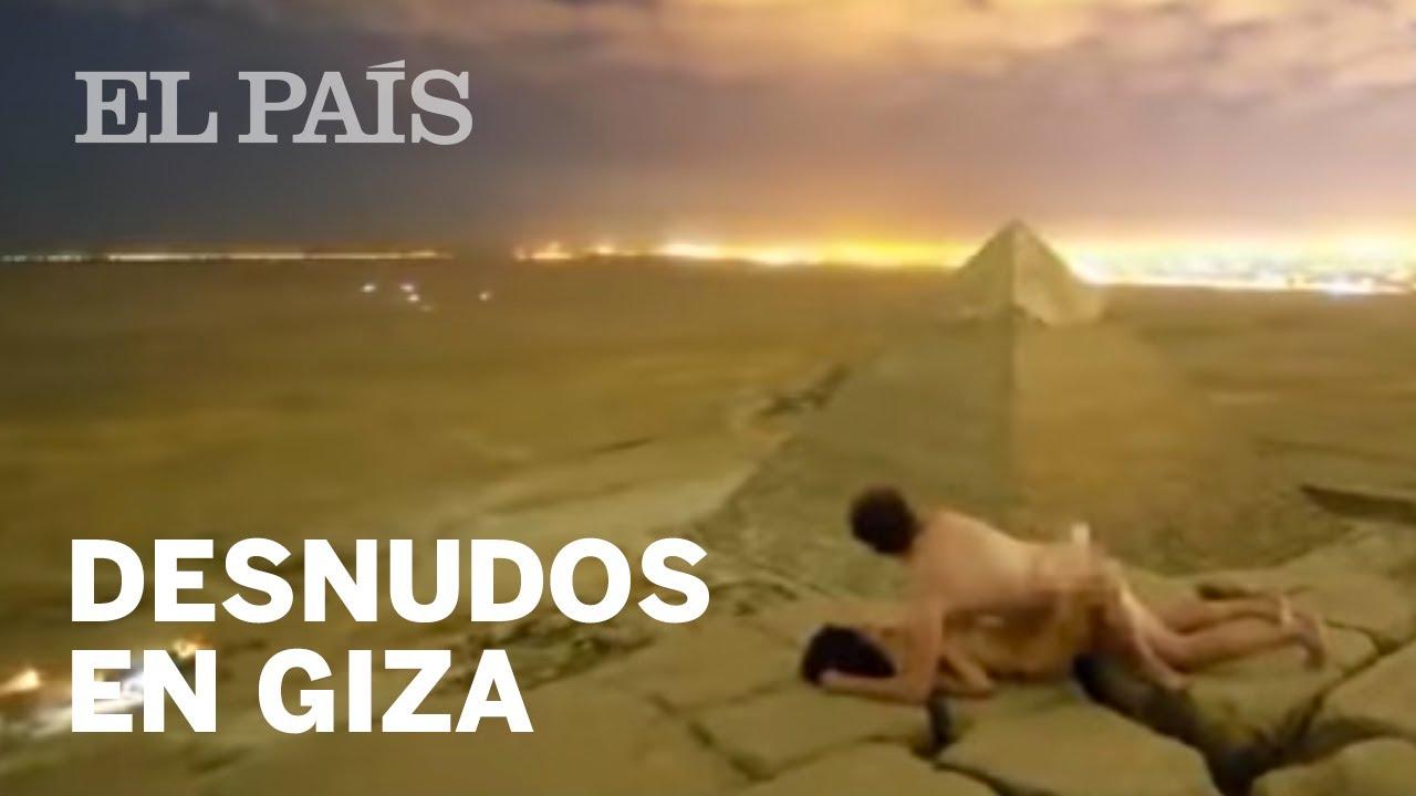 El Vídeo De Una Pareja Desnuda En Lo Alto De Una De Las Tres